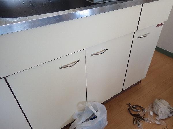 キッチン取っ手施工後