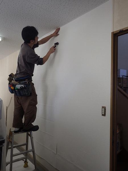 壁紙施工中2
